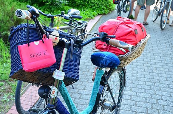 Nahaufnahme eines bepackten Fahrrads